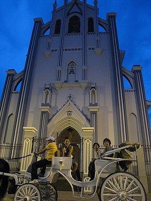 教会と馬車