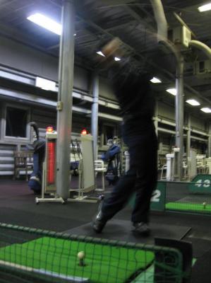 ゴルフの練習するK部長