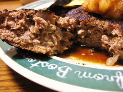 夕飯のハンバーグ