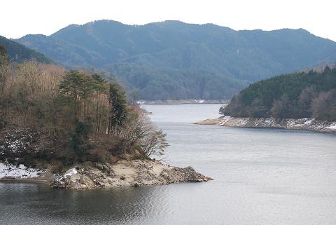 冬の三河湖が
