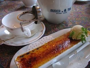 本日の紅茶とケーキのセット