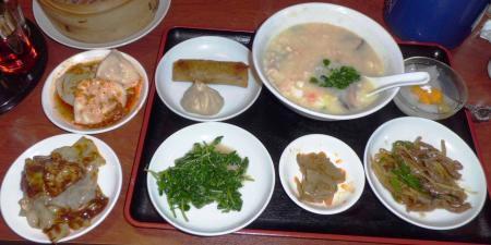 龍城飯店食事