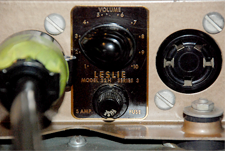 Leslie 32H_amp_2