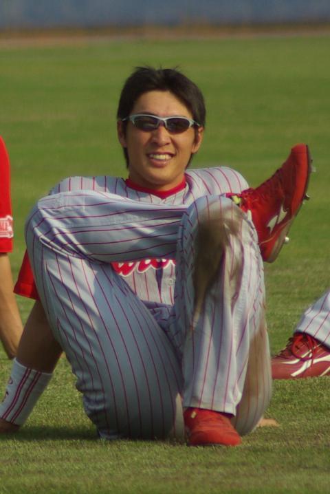 20080429_試合後の練習の合間の休憩でくつろぐ鞘師智也