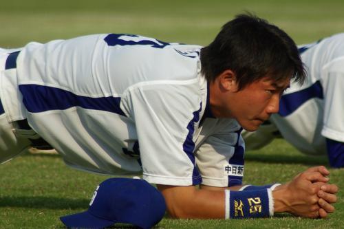 20080429_試合後に肉体系のトレーニングをする新井