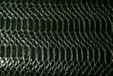 No.130ブラックエナメルパイソン型押し革