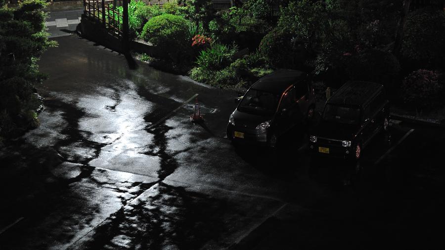 雨 駐車場