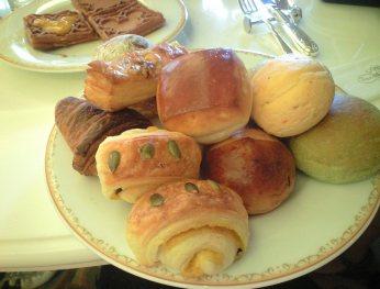 朝食パンいっぱい
