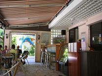 南Y島のどかなレストラン(小)