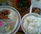 ニッコクトラスト(足利御厨工場食堂)・朝定・ミートボール盛り皿&納豆&味付のり&ワカメ味噌汁&ごはん