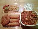 まさ吉・お弁当(豚キムチ丼の大盛り&マカロニサラダ&揚げ春巻き&ハムカツ&ロールキャベツ&揚げ空豆入り焼売)
