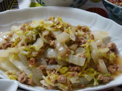 白菜と挽き肉の炒め物