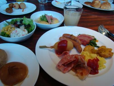 ホテルで朝食!