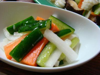ナンプラー風味のスティックサラダ