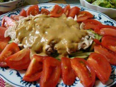 蒸し鶏ときゅうりの中華サラダ