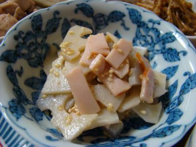 蓮根とハムのごまポン酢サラダ