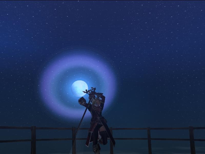 月をバックに剣舞♪
