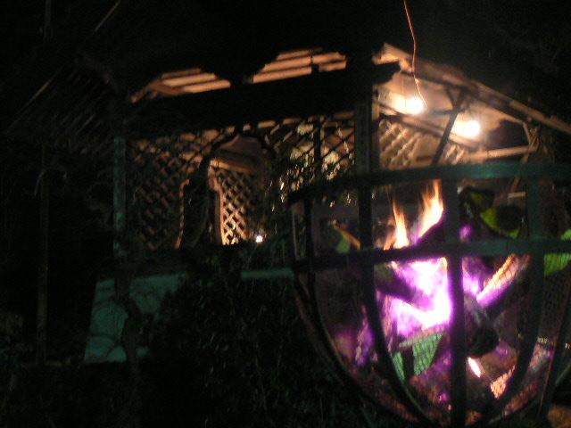幻想的な篝火③