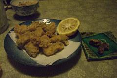 牡蠣フライ&食べかけの鯨の竜田揚げ