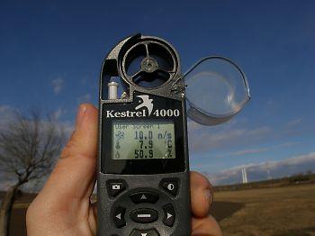 風速メーターで10m/sオーバーを記録した。