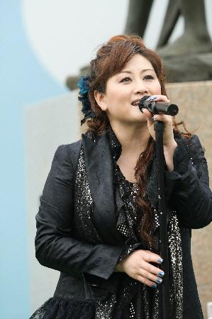 渡辺美里 8