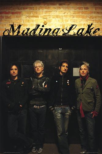 LP1185-MADINA-LAKE.jpg