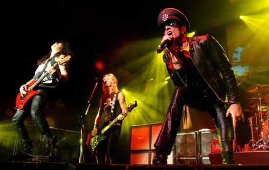Velvet_Revolver_5_-_Miller_-_New_York_NY_2004_-_lg_6513333.jpg