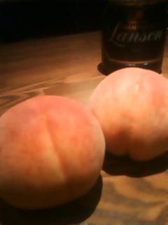 桃とシャンパン