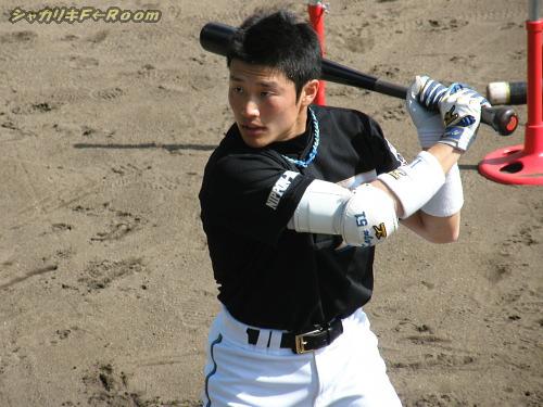 背の小ささは負けたくないらしい、村田くんw。