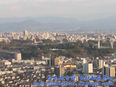 熊本市中心街付近。