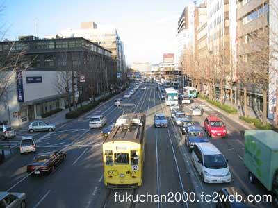 熊本城前電停から郵政公社九州支社、市役所方向。