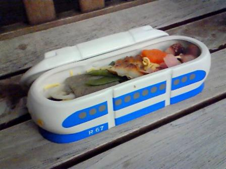 shinkansen-lunch.jpg