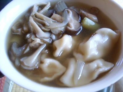 003水餃子入り野菜中華スープ