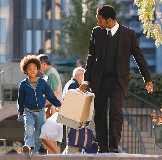 息子と街をさまよい歩く