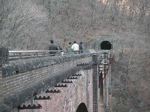 眼鏡橋の上