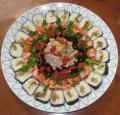 海苔巻きとサラダ