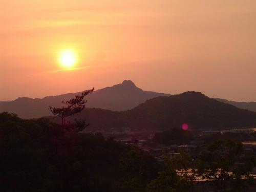 五剣山夕日