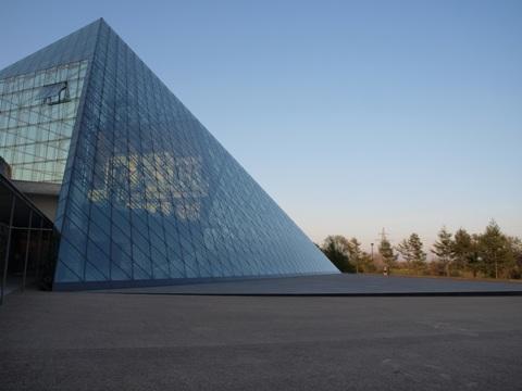 ガラスのピラミッド(2009.05.06)