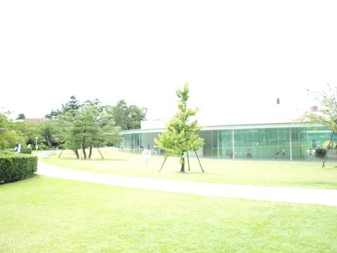 21世紀美術館外観その2(2009.08.11)