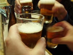 乾杯してるし!
