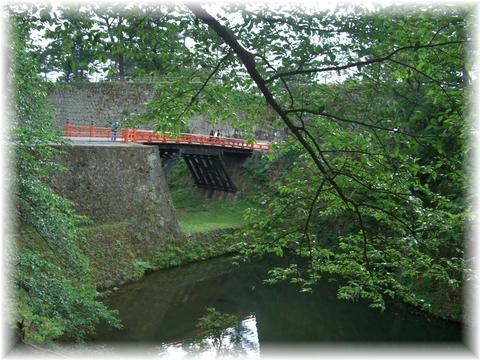 20090521 52 赤い橋