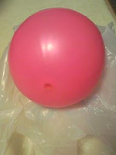 ピンクのまんまるボール