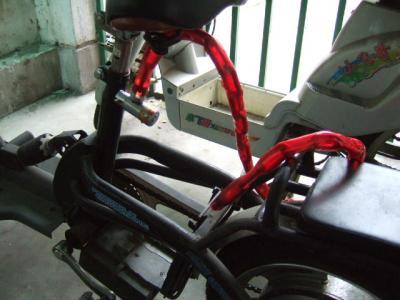 電動自転車の電池を盗まれる