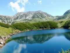 みくりが池に映る逆立山