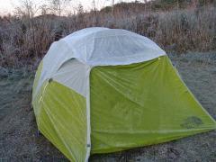 テントが~氷ってる~