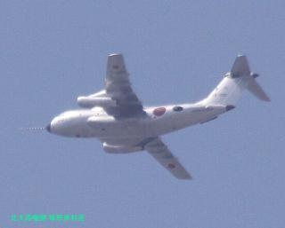 岐阜基地 見上げればP-3C 4