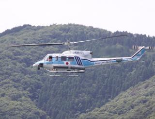 舞鶴基地上空をゆくヘリコプターたちの姿 7