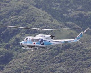 舞鶴基地上空をゆくヘリコプターたちの姿 8