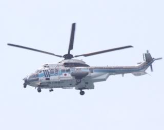 舞鶴基地上空をゆくヘリコプターたちの姿 10
