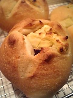 サツマ芋とクリームチーズパン